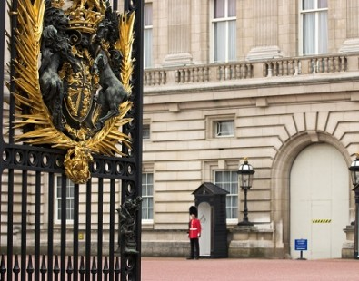 Buckingham Palace, one of the royal palaces you will visit on a Carter Company walking or cycling holiday in England