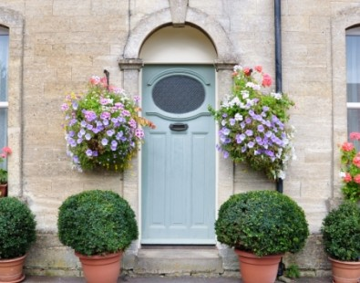 A Cotswold garden - discover more on our bicycle vacations and walking tours