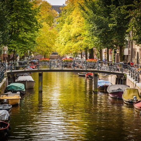 Plenty of canals, locks and bridges on our best of Holland luxury cycling tour