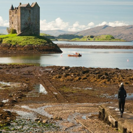 West coast islands and lochs a plenty on our gentle walking holiday in the Scottish Highlands. Quality hotels, routes and service