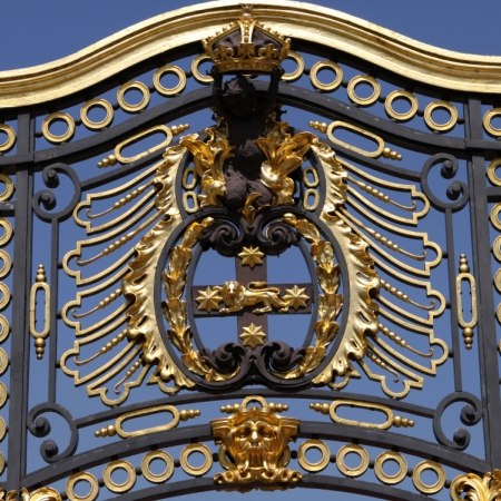 The gates at Hampton Court, one of the attractions on this Carter Company cycling holiday