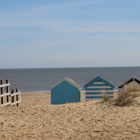 Discover the beaches and sandy heaths of coastal Suffolk on this gentle cycling tour
