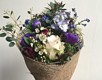 Petalon flowers - delivering bouquets by bicycle